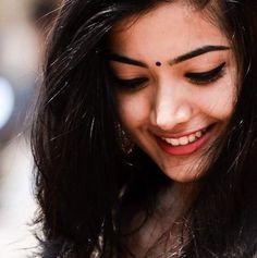 Rashmika Mandanna debutant Tollywood Actress in Telugu Film Industry.