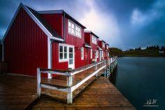 Nyvågar Rorbuer by Knut Aage Dahl