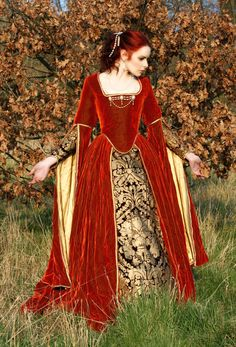 Fantasy russet and gold velvet gown. This shows what beauty can come from russet (termed mahogany on this board).