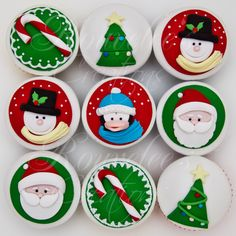 Christmas Cupcakes by Rouvelee Ilagan Christmas Cupcake Toppers, Holiday Cupcakes, Fondant Cupcake Toppers, Christmas Sweets, Christmas Cooking, Noel Christmas, Very Merry Christmas, Christmas Goodies, Cupcake Cakes