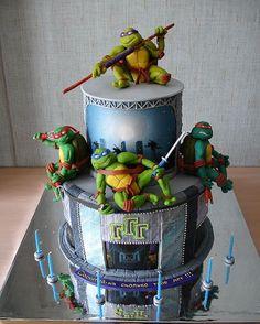 ninja turtle cake! awesome =)