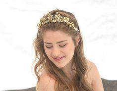 Haarschmuck & Kopfputz - Braut Haarschmuck Hochzeit Perlen Diadem - ein Designerstück von WorldofBeauty bei DaWanda