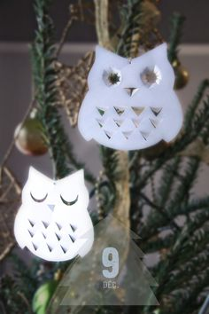 Owl cut outs! New Year's Crafts, Owl Crafts, Holiday Crafts, Diy And Crafts, Crafts For Kids, Paper Crafts, Christmas Owls, Christmas Ornaments To Make, Christmas Deco