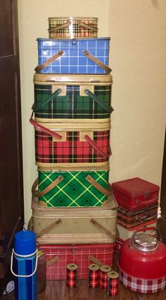 Can't get enough vintage plaid picnic baskets from the 50's.