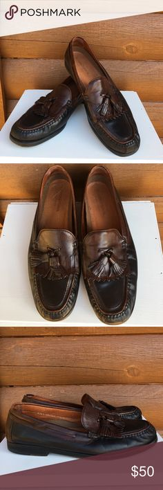MENS Johnston & Murphy leather loafers Black leather loafers trimmed in a beautiful dark brown leather with tassels. Preloved in good used condition. Johnston & Murphy Shoes Loafers & Slip-Ons