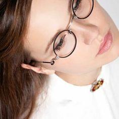 Feliz jueves!! Todavía no has visto nuestras novedades? Entra en www.sunoptica.es y sorpréndete.  #sunoptica #gafas #sunglasses #gafasdesol #occhialidasole #sunnies #gafasdever #gafasgraduadas #gafasnuevas #gafasmolonas #optica #eyewear #instagood #instaglasses #iloveglasses #fashion #instafashion