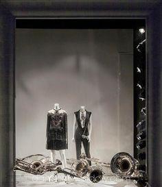 WEBSTA @ dailyshopwindow - @bergdorfs 2017, New York by @dailyshopwindow #dailyshopwindow #visual #visualmerchandising #visualmerchandisingtrends #windowdisplay #windowconcept #windowoftheday #window #scenography #retailphotography #retail #fashion #paris #newyork #bergdorfgoodman #store #departmentstore #fashion #men #women #april #music #clothes #spring #inspireyourwindow