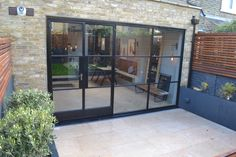 Bringing the outside in with a Crittall door screen by Lightfoot Windows (Kent)…