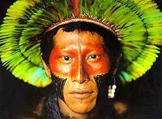 """Até o final do século XVII, a língua """"oficial"""" do Brasil era o Tupi-guarani misturado com português. De cada três brasileiros, dois falavam Tupi-Guarani."""