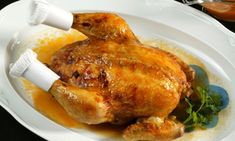 RECETA CARLOS ARGUIÑANO   http://www.hogarutil.com/cocina/recetas/carnes/201109/pollo-relleno-11020.html