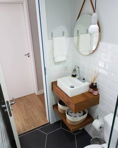 small bathroom decor Tips and trick smal bathroom remodeling cost. the solution for your on budget. Small Bathroom Sinks, Tiny House Bathroom, Bathroom Renos, Bathroom Design Small, Budget Bathroom, Bathroom Interior Design, Bathroom Remodeling, Small Bathroom Ideas On A Budget, Bathroom Designs