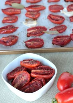 Although I'm pretty content with the jar of 'em at Trader Joes, I'll have to try this some time. Oven Sun Dried Tomatoes Recipe -- make sun dried tomatoes at home! I Love Food, Good Food, Yummy Food, Vegetable Dishes, Vegetable Recipes, Make Sun Dried Tomatoes, Dehydrated Food, Canning Recipes, Diy Food