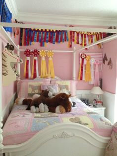 Best Wonderful Horse Theme Schlafzimmerdekoration Ideen … - Diy Home Projects Horse Themed Bedrooms, Bedroom Themes, Bedroom Decor, Bedroom Ideas, Horse Bedrooms, Wooden Bedroom, Themed Rooms, Teenage Girl Bedrooms, Girls Bedroom