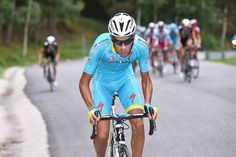 Mikel Landa attacks out of early break to win the brutal queen stage, and Fabio Aru claims red leader's jersey with second place. (Stage 11 Vuelta)