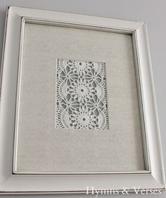 What to do with old doilies from Grandma? DIY Vintage Doily Art from hymnsandverses! Framed Doilies, Lace Doilies, Crochet Doilies, Vintage Embroidery, Vintage Lace, Vintage Ideas, Vintage Diy, Paper Embroidery, Vintage Sewing