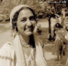 by Eugene Domansky Gypsy Life, Gypsy Soul, Gypsy People, Gypsy Caravan, Belly Dancers, Bohemian Gypsy, Pictures, Behavior, Stones