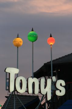 Tony's at Redondo Beach Pier - where I got engaged! California Dreamin', Vintage California, Redondo Beach Pier, Vintage Neon Signs, Hermosa Beach, City Of Angels, Beach Signs, Gone With The Wind, Googie