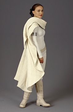 Padme's fighting clothes Even though white scares me, I would wear this!