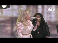 Kelly Clarkson - 'My Life Would Suck Without You' (Summertime Ball 2015)