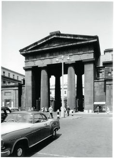 Euston Arch, the original entrance to Euston Station, London. Vintage London, Old London, Euston Station, London History, Tudor History, British History, British Rail, London Transport, London Photos