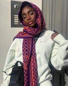 The Best Beauty Tips For People Of All Ages. A good beauty routine should be relaxing and pleasant. Now you can try some new beauty techniques with co Beautiful Black Girl, Pretty Black, Beautiful Beautiful, Beautiful Drawings, Beautiful Places, Beautiful Pictures, Black Girl Makeup, Girls Makeup, Mode Turban