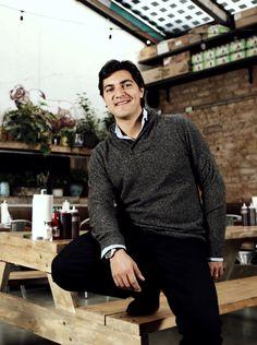 Santiago Arango es joven, exitoso y empresario. Y esto es lo que no le puede faltar.