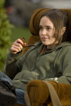 Juno Movie Stills. Ellen Page (as Juno MacGuff) Ellen Page, Movies Showing, Movies And Tv Shows, Portraits, Women Smoking, Film Stills, Celebs, Celebrities, Movies