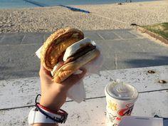 @AW_Okinawa   A&Wさん自らRTして頂き感激です! m(_ _)mm(_ _)mm(_ _)m  復活A&Wバーガーめちゃ美味しかったです!!