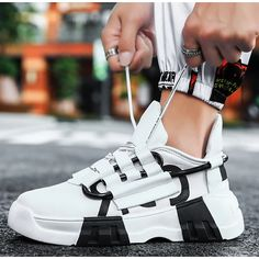 Men's Trainers Athletic Shoes Casual Daily Walking Shoes Mesh Black / White White / Green Black Spring & Summer Fall & Winter 2021 - US $36.74 Moda Sneakers, Sneakers Mode, Air Max Sneakers, Tenis Casual, Casual Sneakers, Casual Shoes, Mens Fashion Shoes, Sport Fashion, Sneakers Fashion