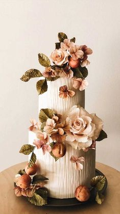The Prettiest & Unique Wedding Cakes We've Ever Seen - 59 unique wedding cake designs, unique wedding cakes, pretty wedding cake, simple wedding cake idea - Pretty Wedding Cakes, Floral Wedding Cakes, Fall Wedding Cakes, Elegant Wedding Cakes, Wedding Cake Designs, Wedding Themes, Wedding Colors, Bolo Floral, Cake Pictures