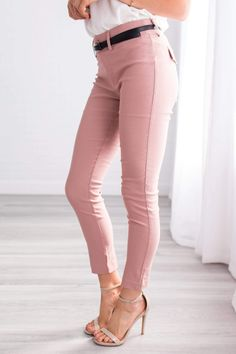We are all heart eyes over these new Essential Work Pants! So classy, yet so comfy these beauties are perfection! Cute Casual Outfits, Casual Clothes, Business Casual Pants Women, Work Casual, Work Pants, Work Fashion, Plus Size Outfits, Capri Pants, Pants For Women