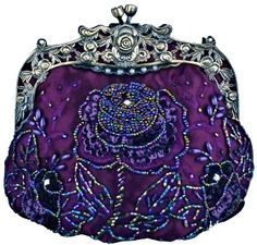 victorian beaded, velvet purse need to get one of these