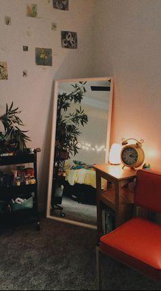 mirror in corner of room - Deco appartement - Dekoration My New Room, My Room, Corner Deco, Room Corner, Living Room Decor, Bedroom Decor, Bedroom Ideas, Bedroom Inspo, Home Design