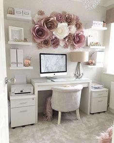 I want my crafty corner/office space to look like this ? I want my crafty corner/office space to loo Home Office Space, Home Office Design, Home Office Decor, Office Ideas, Home Decor, Office Setup, Office In Bedroom Ideas, Shabby Chic Office Decor, Work Desk Decor