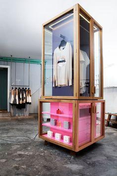 Commercial interiors, fashion retail interior, modular shelving, shelving d Retail Store Design, Retail Shop, Visual Merchandising Displays, Retail Displays, Shop Displays, Window Displays, Fashion Retail Interior, Interior Shop, Modular Shelving