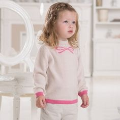 DB1823 davebella baby printed sweater 1.Brand: dave & bella  2.Style No.:DB1823 3.Fabric: 100% cashmere 4.Size:12M 18M 24M  3T  5.Package: one pc in high quality PP bag. Both wholesaler and retailer are welcomed. No MOQ. Can mix styles, colors and sizes.   Our advantage: a).More than 20 years experience on baby and kids apparel exporting. b). Reasonable price. c). High quality. d). Fast delivery. e). Own design team. f). Own sample making room.week g). Update more than 12 styles every week