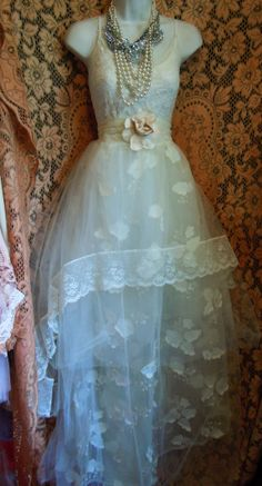 Cream wedding dress floral  lace tulle cupcake vintage  bride outdoor  romantic small medium by vintage opulence on Etsy