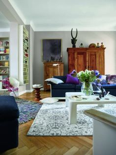The Esprit Online-Shop offers a large selection of high quality fashions for men, women and children as well as the latest fashion accessories and furnishings. Zara Home, Home And Living, Living Room, Blog Deco, Rugs On Carpet, Carpets, Rustic Chic, Home Collections, Interior Inspiration