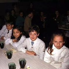 Foto de Gustavo Cerati en el colegio #PequeñoGus #Gus #Cerati #GustavoCerati… Soda Stereo, Perfect Love, My Love, Nada Personal, Rock Argentino, David Bowie, My Music, Shit Happens, Instagram Posts