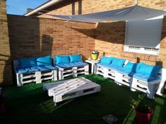 Pallet Patio Set with Blue Cushions