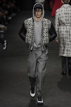 Versace Autumn/Winter 2017 Menswear Collection | British Vogue
