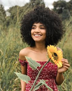 Flowers Girl Hairstyles With Bangs 17 Ideas Flower Girl Hairstyles, Black Girls Hairstyles, Hairstyles With Bangs, Natural Afro Hairstyles, African Hairstyles, Cabelo 3c 4a, Curly Hair Styles, Natural Hair Styles, Crimped Hair