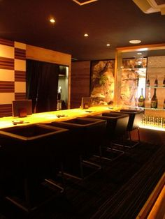 Okayama|岡山|Restaurant|ハナミズキ|ちょっと大人のBarのような雰囲気で、気軽に楽しめるカウンター席はデートにもピッタリです◎
