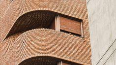 Togo Diaz Minimal Architecture, Brick Architecture, Landscape Architecture Design, Ancient Architecture, Architecture Details, Brick Design, Facade Design, Exterior Design, Brick Tiles