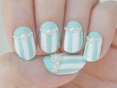 Ida-Marian kynnet / Mint blue polish with pearls and stripes / #Nails #Nailart