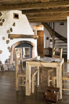 Low Budget Home Decoration Ideas Home Fireplace, Fireplaces, Fireplace Screens, Waterfall House, Interior And Exterior, Interior Design, Earth Homes, Natural Building, Earthship