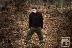 """Το hiphop.gr συναντήθηκε με τον Sirrell Diamondhead από τους Project Theory και είπαμε να κάνουμε μια συνέντευξη εφ' όλης της ύλης. Οι """"Project Theory"""" είναι μια Nu-metal, RapCore μπάντα από"""