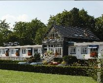 Hôtel Les Pins Le Jardin De Bacchus, Strasbourg, France Bacchus, Strasbourg, Shed, Places To Visit, Outdoor Structures, Cabin, France, House Styles, Home