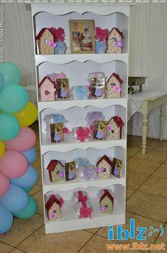 Lembrancinhas casinhas de passaros feita de caixinha de leite.