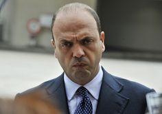 Il Referendum si avvicina, Alfano: 'Basta migranti. Ecco cosa farò con l'esercito' - http://www.sostenitori.info/referendum-si-avvicina-alfano-basta-migranti-cosa-faro-lesercito/266593